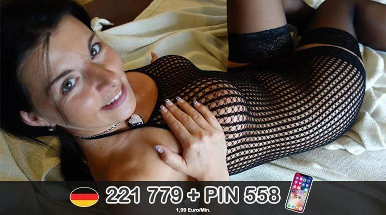 Reife Frau an der Hausfrauen Telefonsex Line
